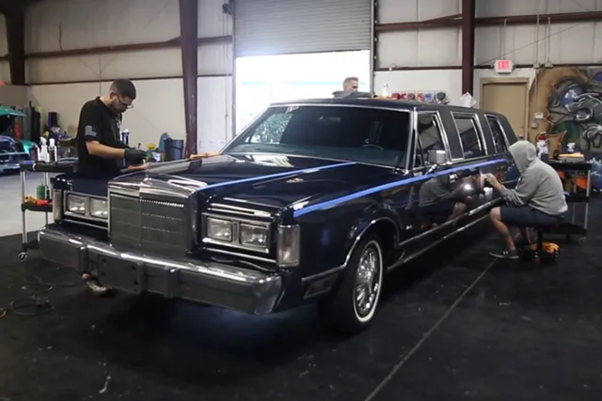 1988 Lincoln Town Car Limousine