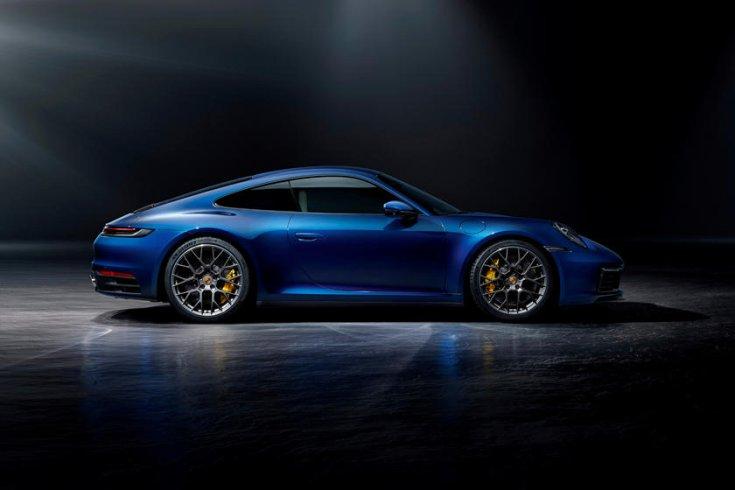 kék Porsche oldalról