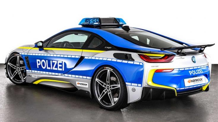 Plug-in hibrid BMW i8 rendőrautó