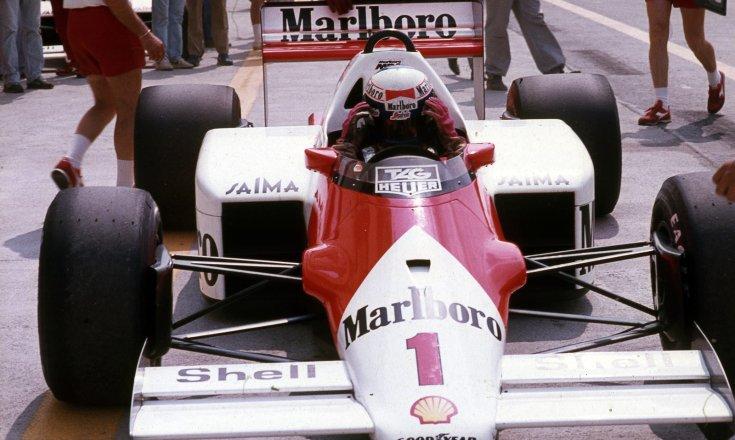Formula-1 első magyar nagydíj, boxutca, Alain Prost a McLaren-TAG csapat versenyzője
