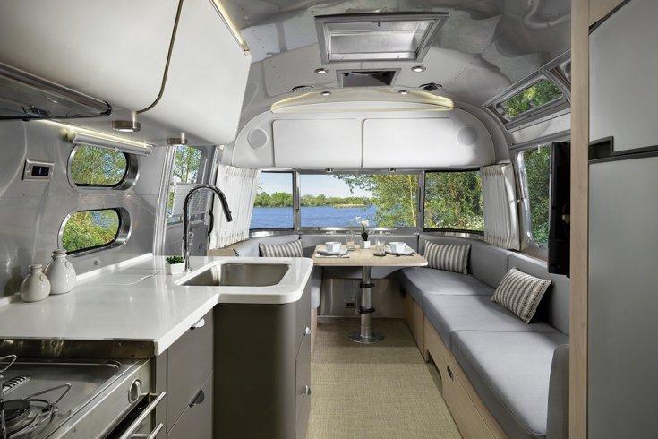 Airstream lakókocsi belső