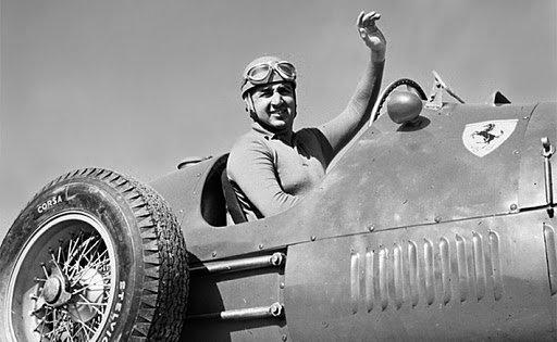 Alberto Ascari az '50-es években egy Ferrarival