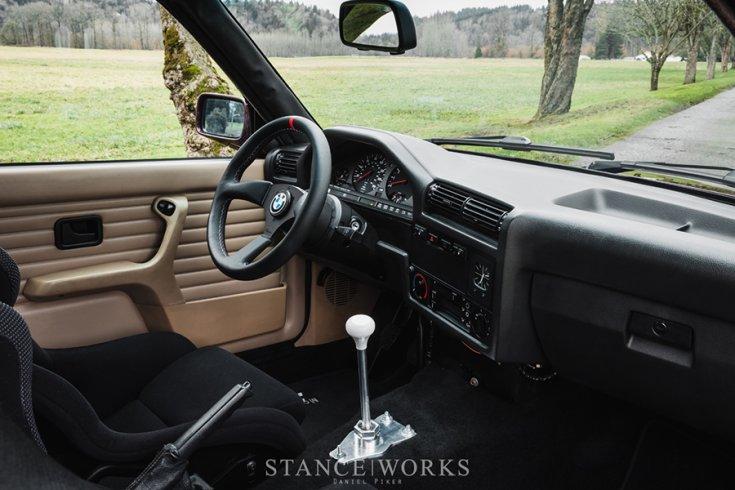 Alex Ciceu BMW E30 M3 tuning beltere