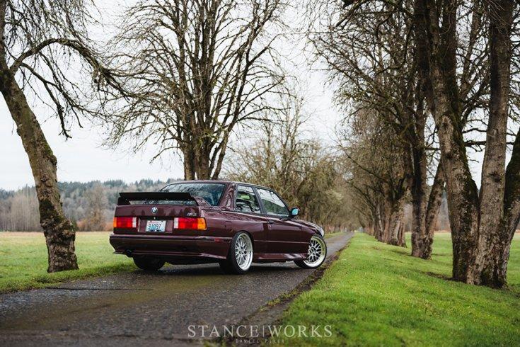 Alex Ciceu BMW E30 M3 tuning hátulról
