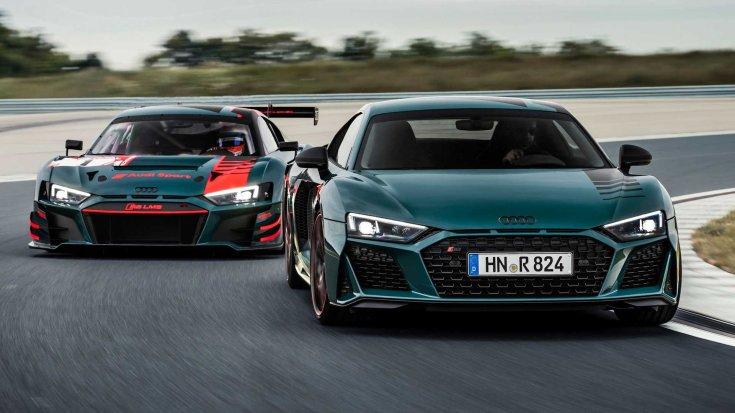 Audi R8 Green Hell Edition és a R8 LMS versenyautó egy pályán elölről
