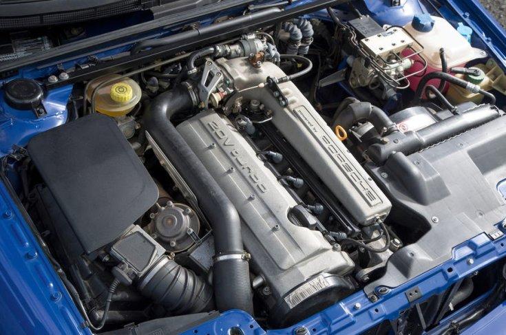 Audi RS2 motorja