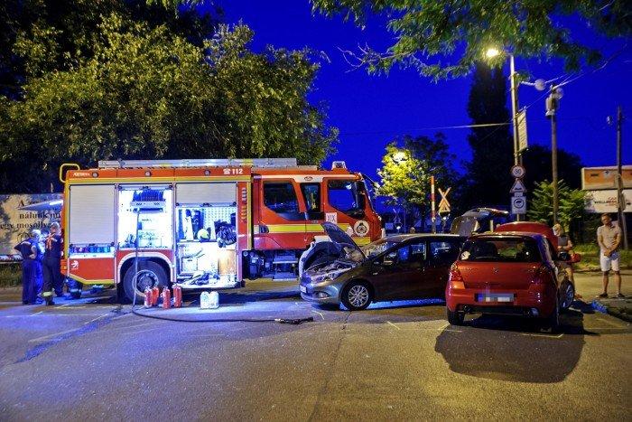 Balesetben megsérült járművek Kispesten