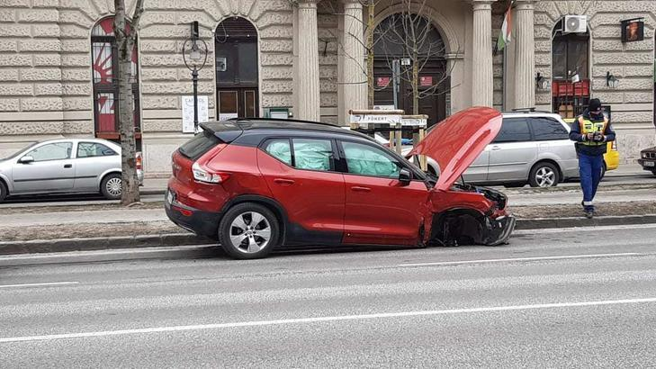 Összetört Volvo