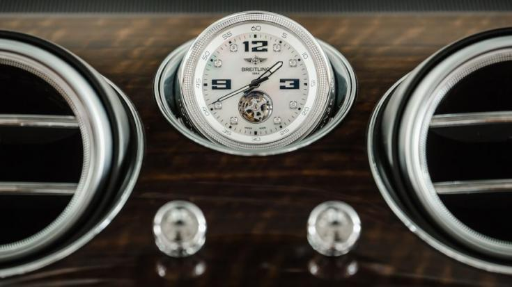 Bentley Bentayga Breitling óra