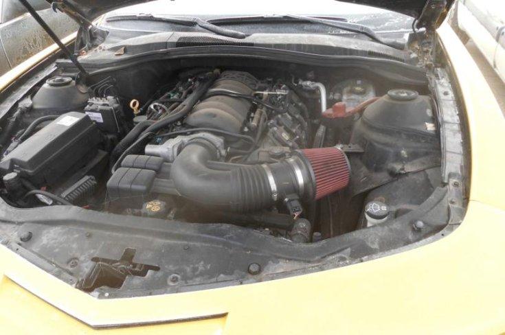 Chevrolet Camaro motorterében elhelyezett erőforrás