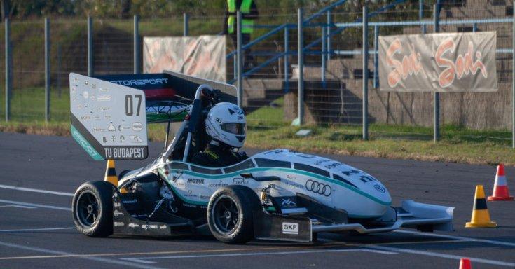 BME Motorsport 2020-as autója oldalról