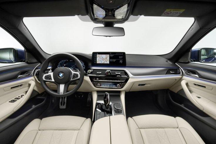 BMW 5 interior 2020