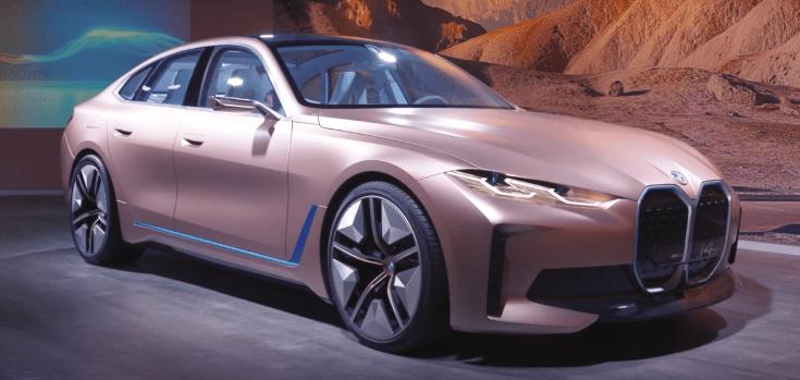 BMW i4 koncepcióautó oldalról
