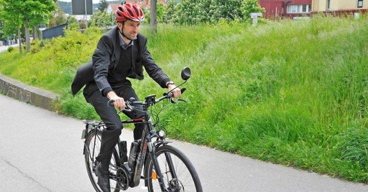 Boris Palmer kerékpározik