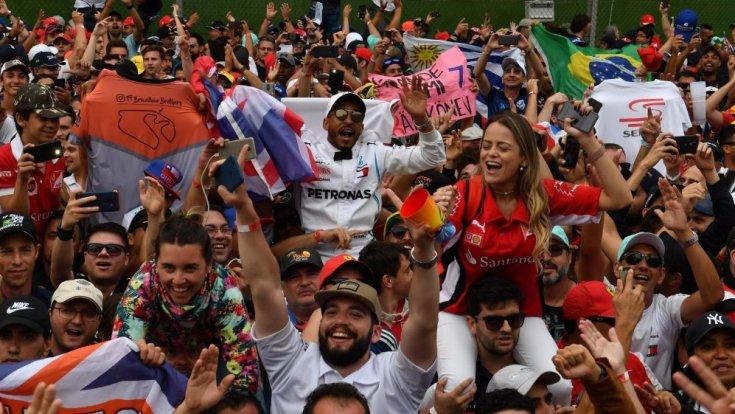 brazil szurkolók a hazai futamon