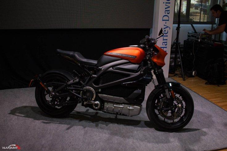 2019-es Harley Davidson LiveWire a Budapest Auto Show kiállításon