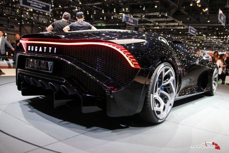 Bugatti La Voiture Noire hátulról
