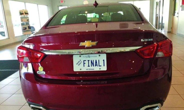 Az utolsó legyártott Chevy Impala hátulról