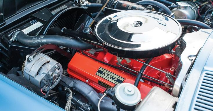 1963 Chevrolet Corvette C2 Sting Ray, kék, motor, balról, RM Sotheby's