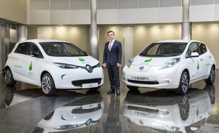 Renault Zoe és Nissan Leaf egymás mellett