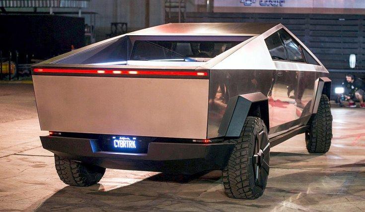 Tesla Cybertruck hátulról