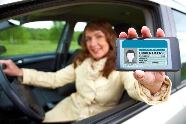 Digitális jogosítvány egy photoshoppolt képen