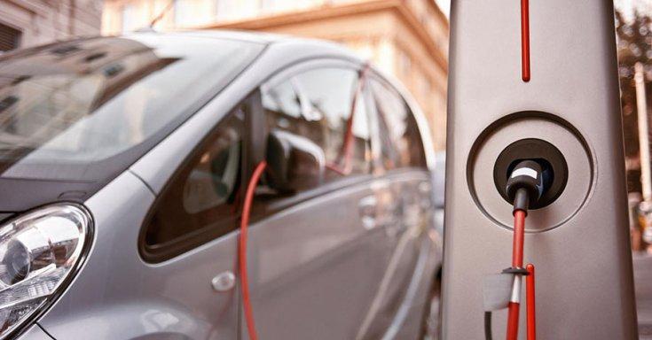 Az elektromos autózás lehet az autóipar jövője