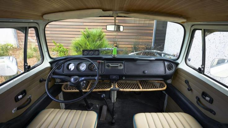 Volkswagen Type 2 e-Bus interior