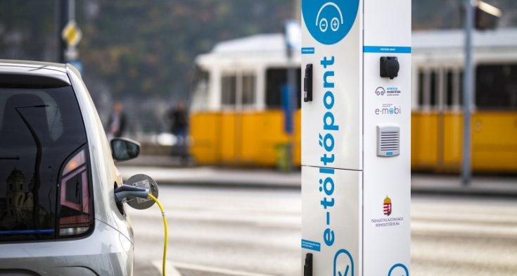 E-Mobi elektromos autó töltőállomás
