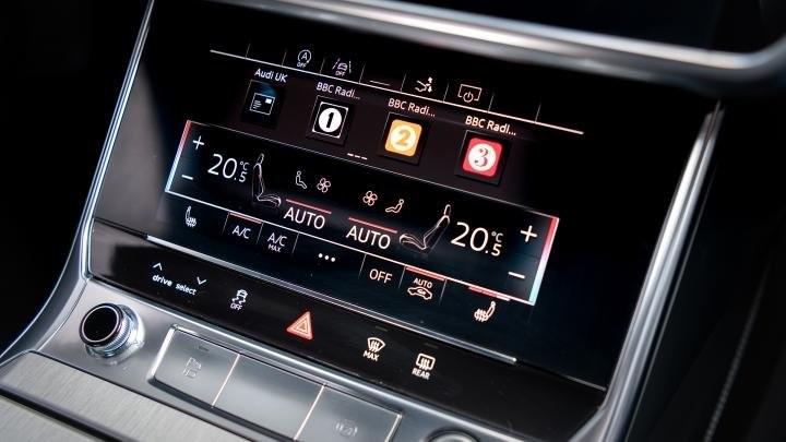 Audi A7 érintőképernyős klímapanel