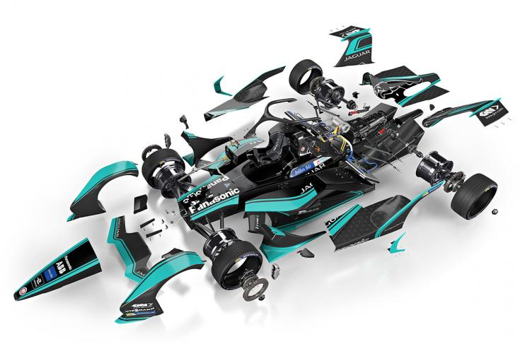 Formula-E versenyautó darabokra szedve