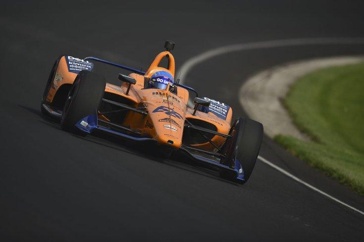 A McLaren indy 500-as autója szemből
