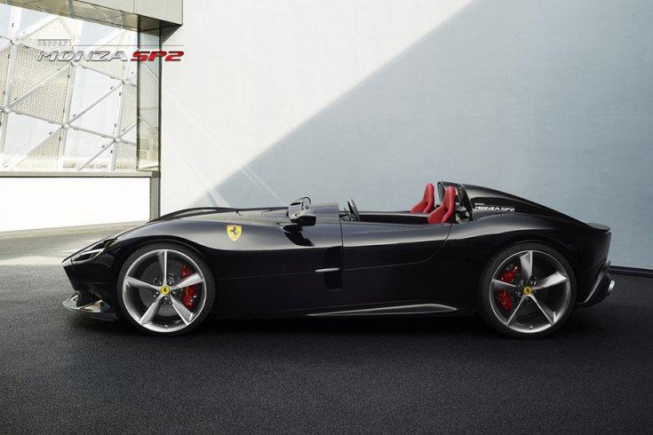 A Ferrari Monza SP2 oldalról