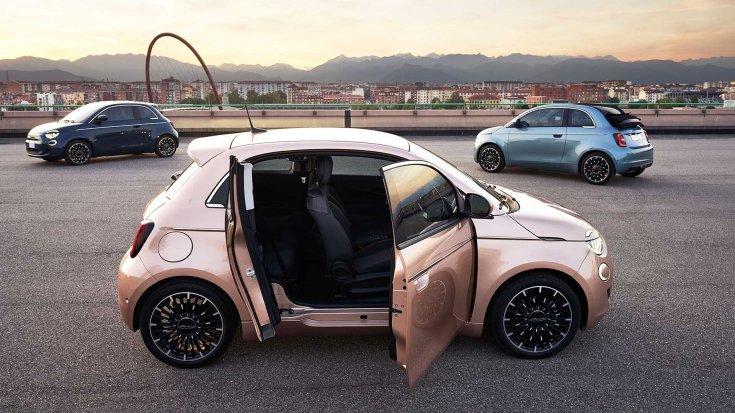 három Fiat 500e egymás mellett