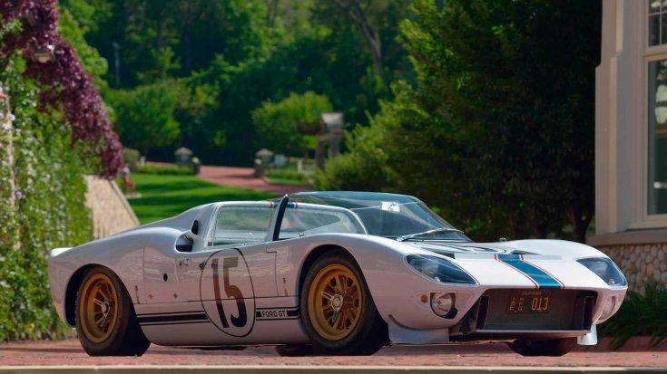 1965-ös Ford GT versenyautó prototípusa szemből