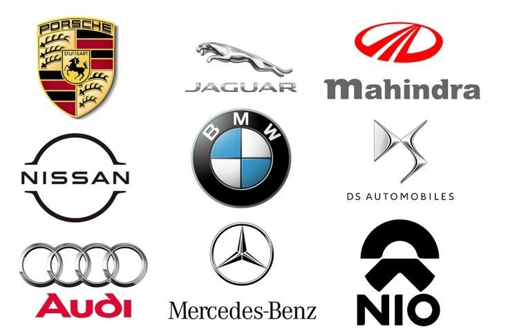 a Formula-E-ben versenyző gyártók logói
