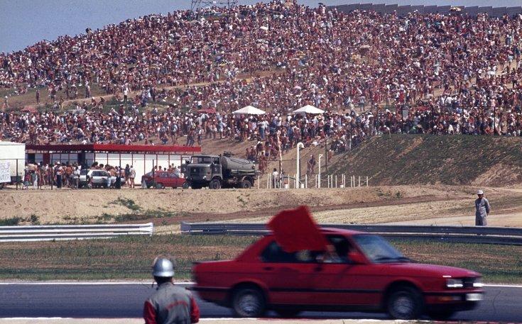 Formula-1 első magyar nagydíj, biztonsági autó.