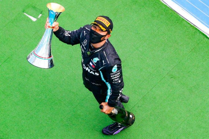 Lewis Hamilton a Magyar Nagydíjat is megnyerte