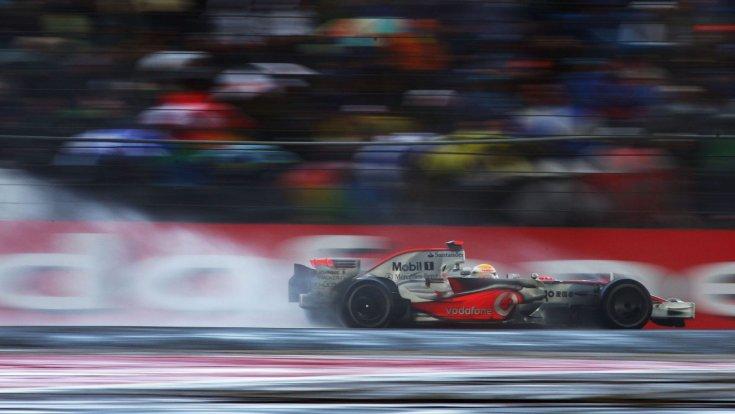 Lewis Hamilton és a McLaren-Mercedes a 2008-as Brit Nagydíjon