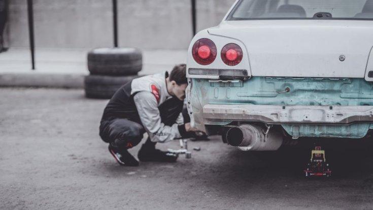 autó szétszerelése