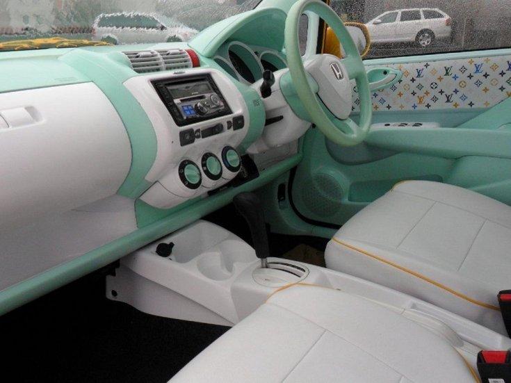 Honda Jazz fehér és menta zöld színű beltér
