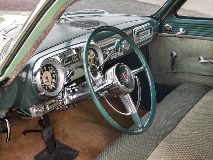 1951 1954 Hudson Hornet, amerikai autó, szedán, almazöld, műszerfal, oldalnézet, balról, RM Sotheby's