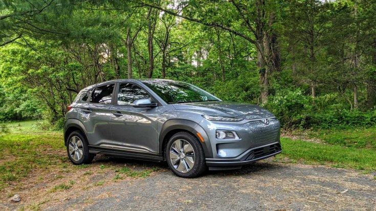 2020-as Hyundai Kona Electric szemből