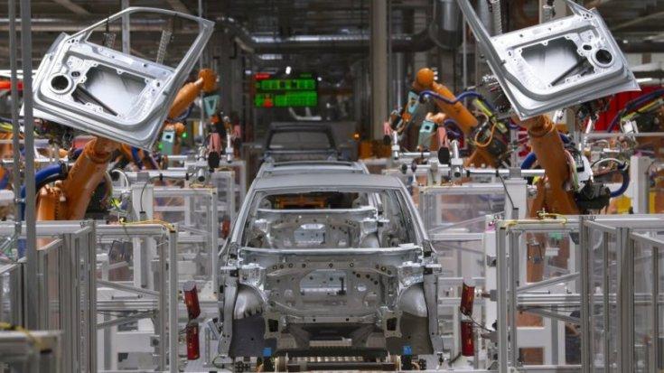 Autógyárban szerelnek össze autókat