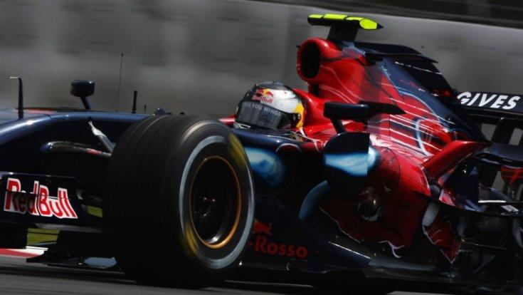 Sebastian Vettel a Toro Rosso autójában a 2008-as szezonban