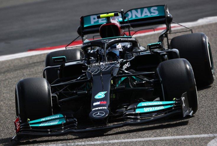 a Mercedes 2021-es autója teszt közben