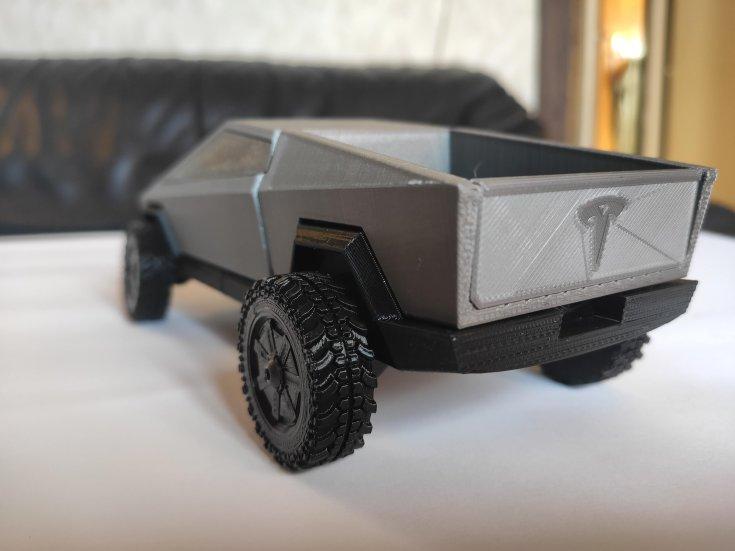 3D nyomtatott Tesla Cybertruck