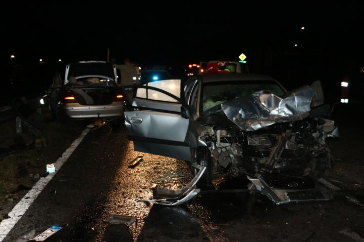 Halálos közúti közlekedési baleset helyszínén készített fotó