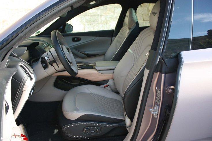 Aston Martin DBX ülések