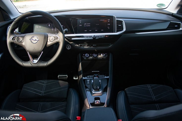 Opel Grandland beltér